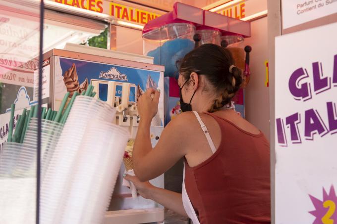 Vente de glaces au parc de loisirs